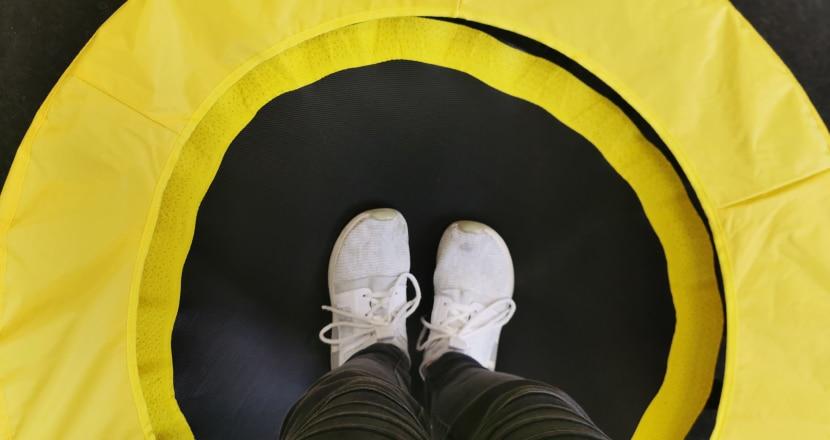 Füße knicken beim Springen um