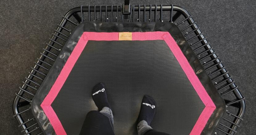 Keine Socken beim bellicon Jumping Trampolin